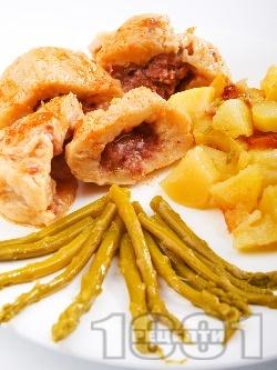 Варени картофени кнедли (топчета) с телешка кайма - снимка на рецептата